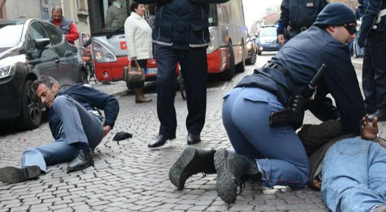 """La rabbia dei poliziotti: """"I criminali ci ridono in faccia, i giudici ci umiliano"""""""